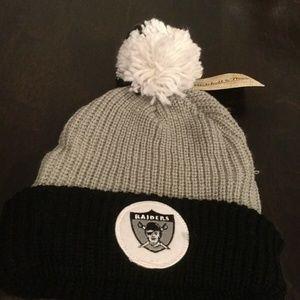 NWT Oakland Raiders Mitchell & Ness Winter Hat Cap